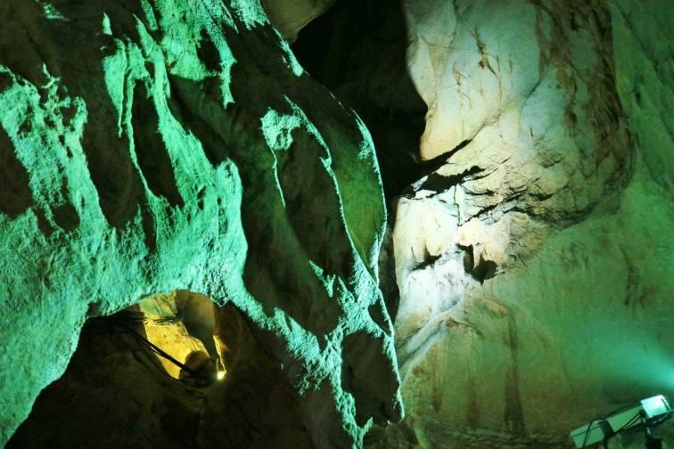 류가도 동굴 龍河洞