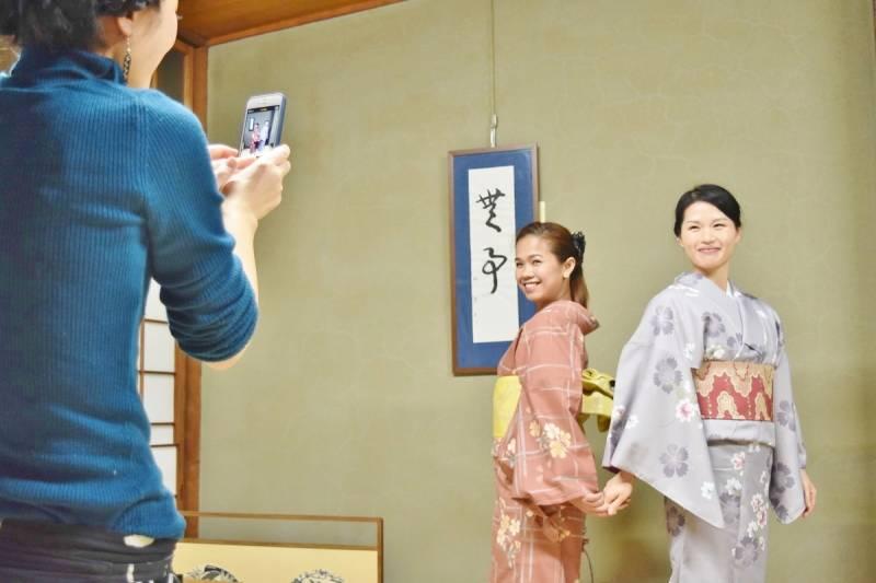 Kimono_at_fukuya_2